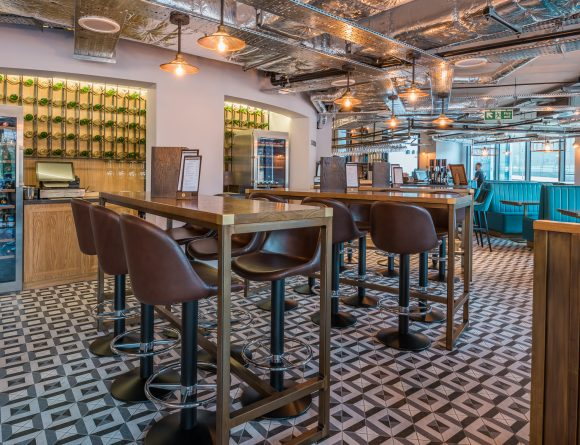 Hotel Indigo bar